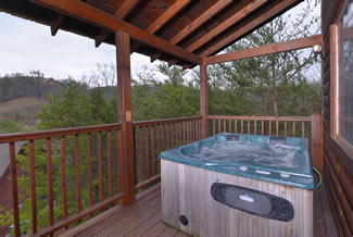 Pigeon Forge Cabin Rental outdoor hot tub area