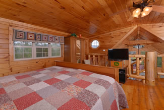 Pigeon Forge Cabin Rental Loft Area bedroom