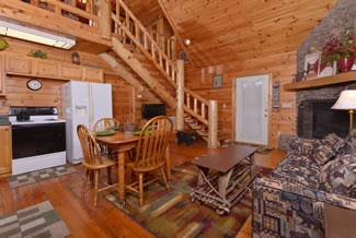 Pigeon Forge Cabin Rental Living Room- Dinning room