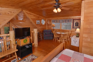 Pigeon Forge Cabin Rental Large Loft Area