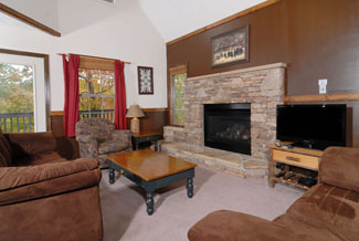 Pigeon Forge Chalet Convenient to Hwy 441 with Living Room with a Gas Fireplace