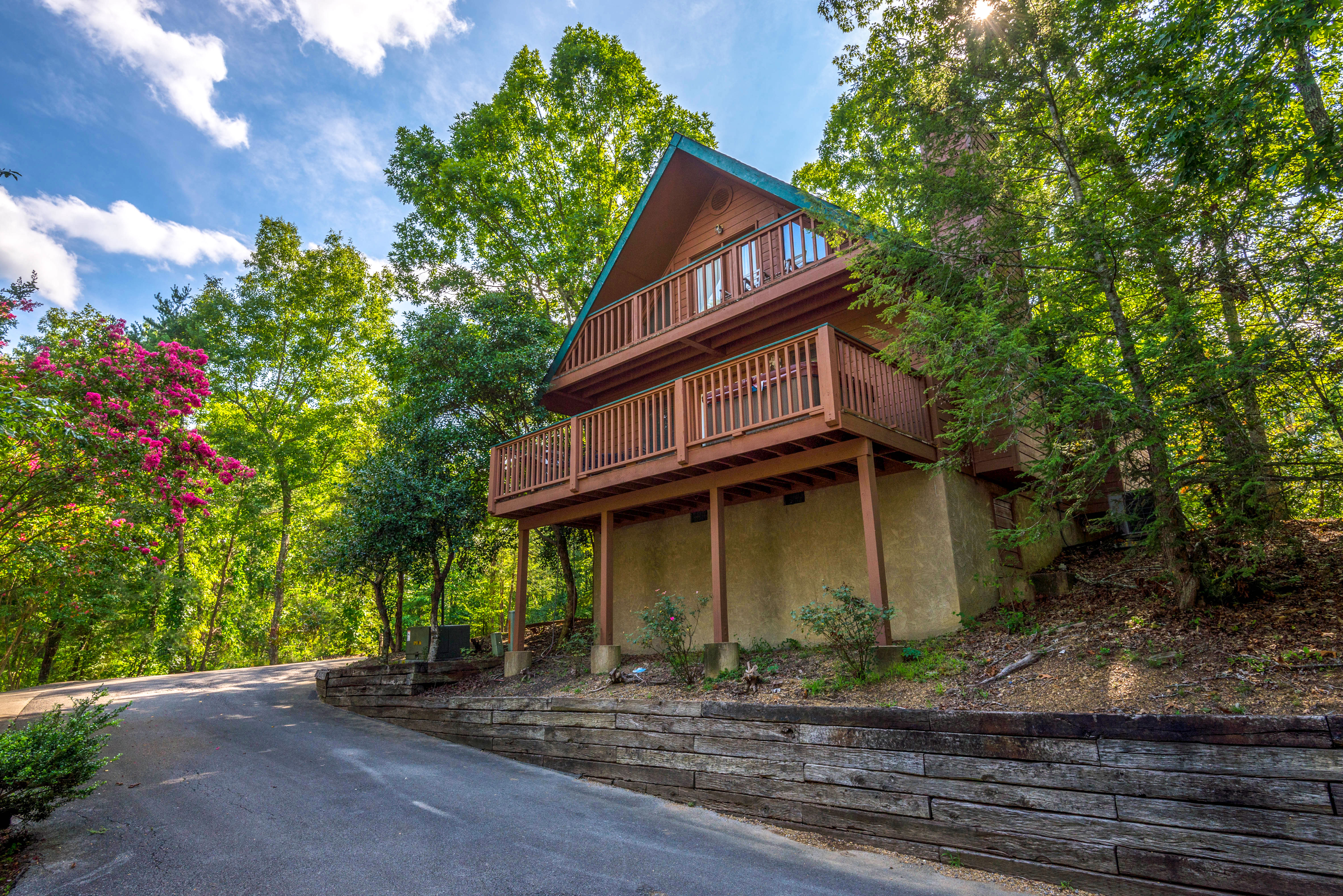 tn forge log gatlinburg cabin pigeon in condo rentals under cheap honeymoon and cabins sale for