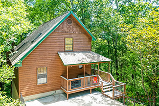 Pigeon Forge Three Bedroom Cabin-Chalet Rental