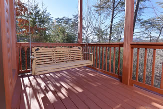 Pigeon Forge Cabin Outdoor Scenic Swing