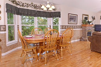 Dinning Area that can seat 9 in this Pigeon Forge Cabin Rental