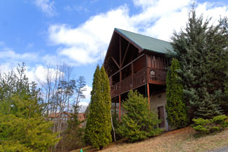 Convenient Pigeon Forge Three Bedroom Cabin Convenient to area attractions like Dixie Stampede