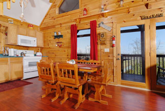 Pigeon Forge Cabin that features a seating table for six guests