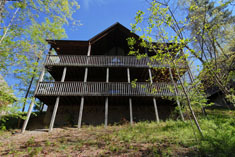 Pigeon Forge Chalet that is located near Dolly's Splash Country and Dollywood