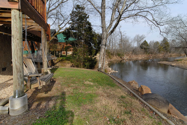 Pigeon FOrge Riverfront Cabin View