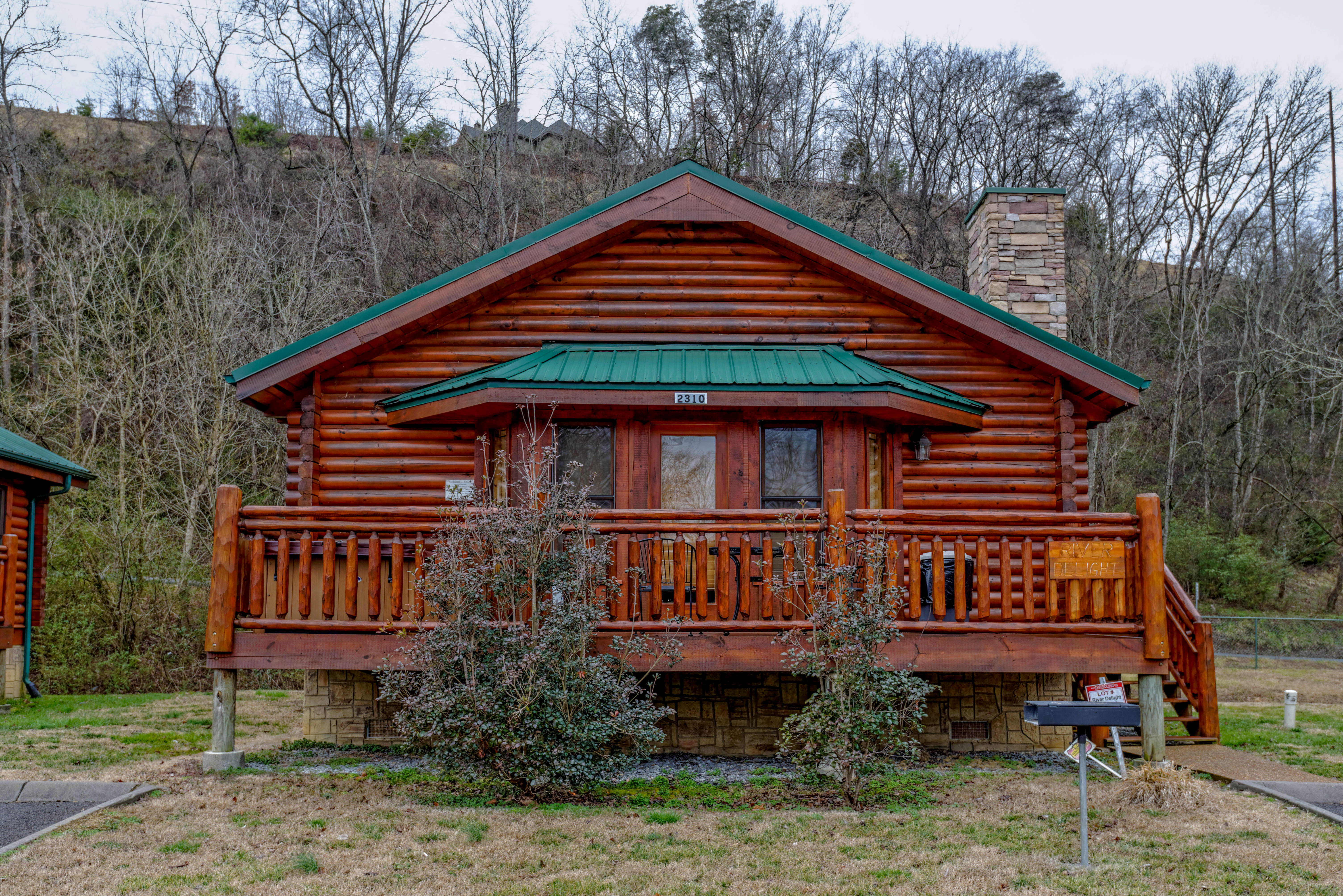 Pigeon Forge Cabin Rental that is in the River Port Area