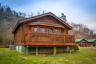 Pigeon Forge Honeymoon Cabin Rental Convenient to the attractions of Pigeon Forge