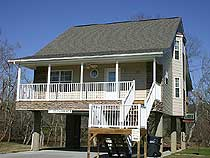 Pigeon Forge Vacation Chalet Rental on the Little Pigeon River with Fishing Acces on the Little Pigeon River