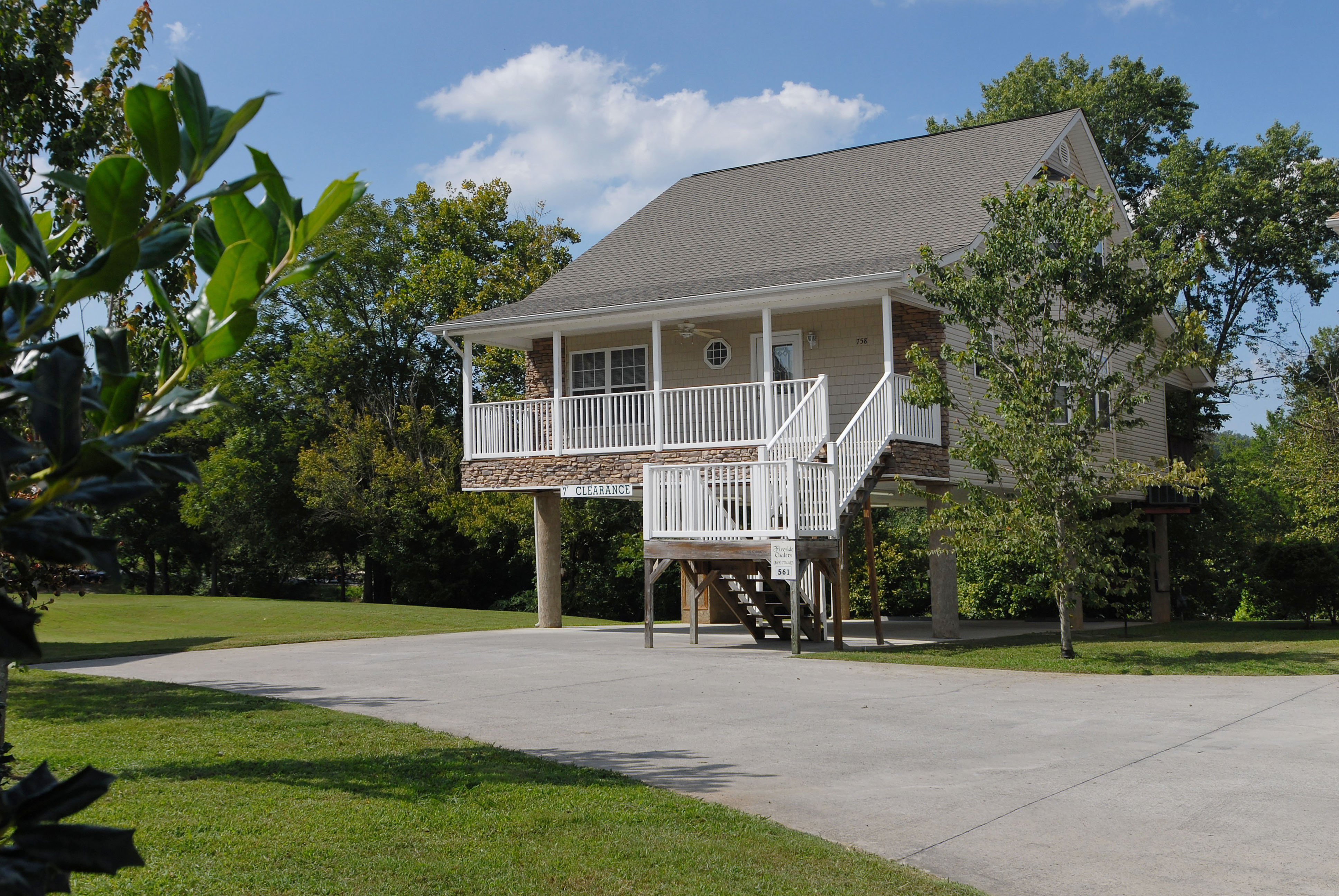 Little Pigeon River Three Bedroom Vacation Cottage Rental