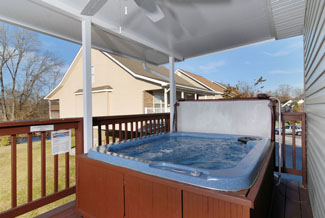 Pigeon Forge Chalet Covered Porch Area Hot Tub