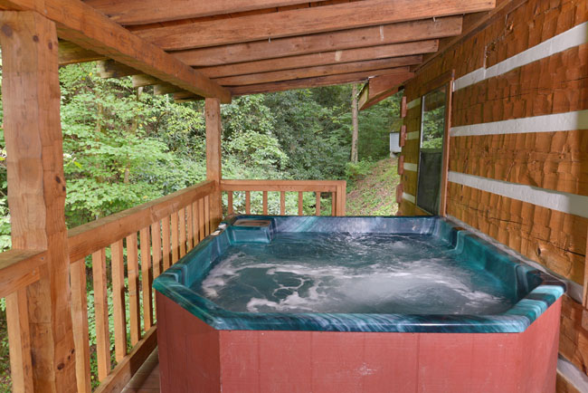 pigeon forge two bedroom cabin rental convenient to pigeon