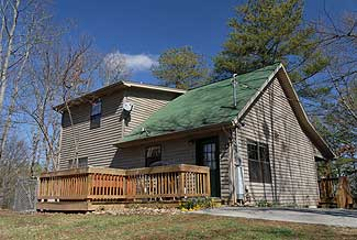 Pigeon Forge Two Bedroom Vacation Cabin Rental with Movie Theater
