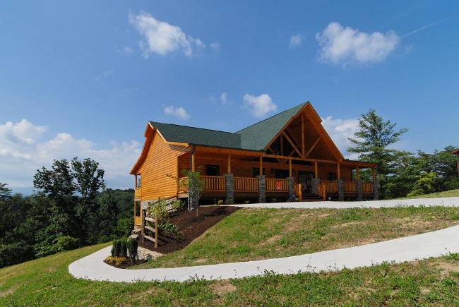 Pigeon Forge Four Bedroom Cabin Rental Convenient To