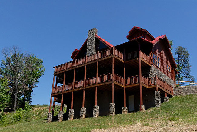 Tennessee Deluxe Four Bedroom Vacation Cabin Rental