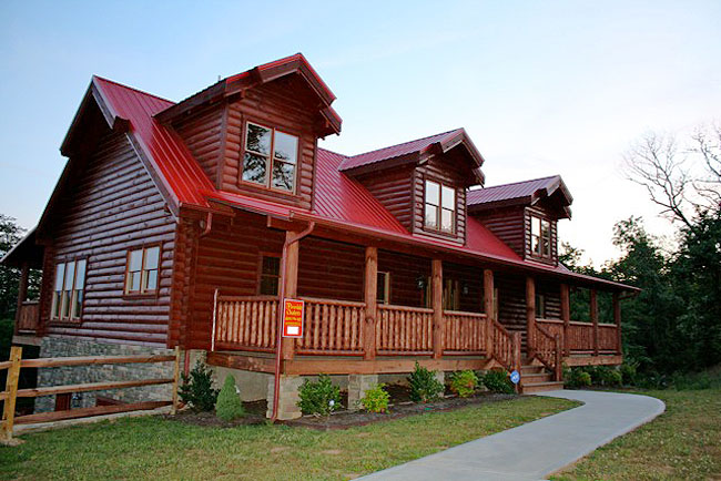Pigeon Forge Deluxe Four Bedroom Cabin Rental with Great Smoky Mountain View