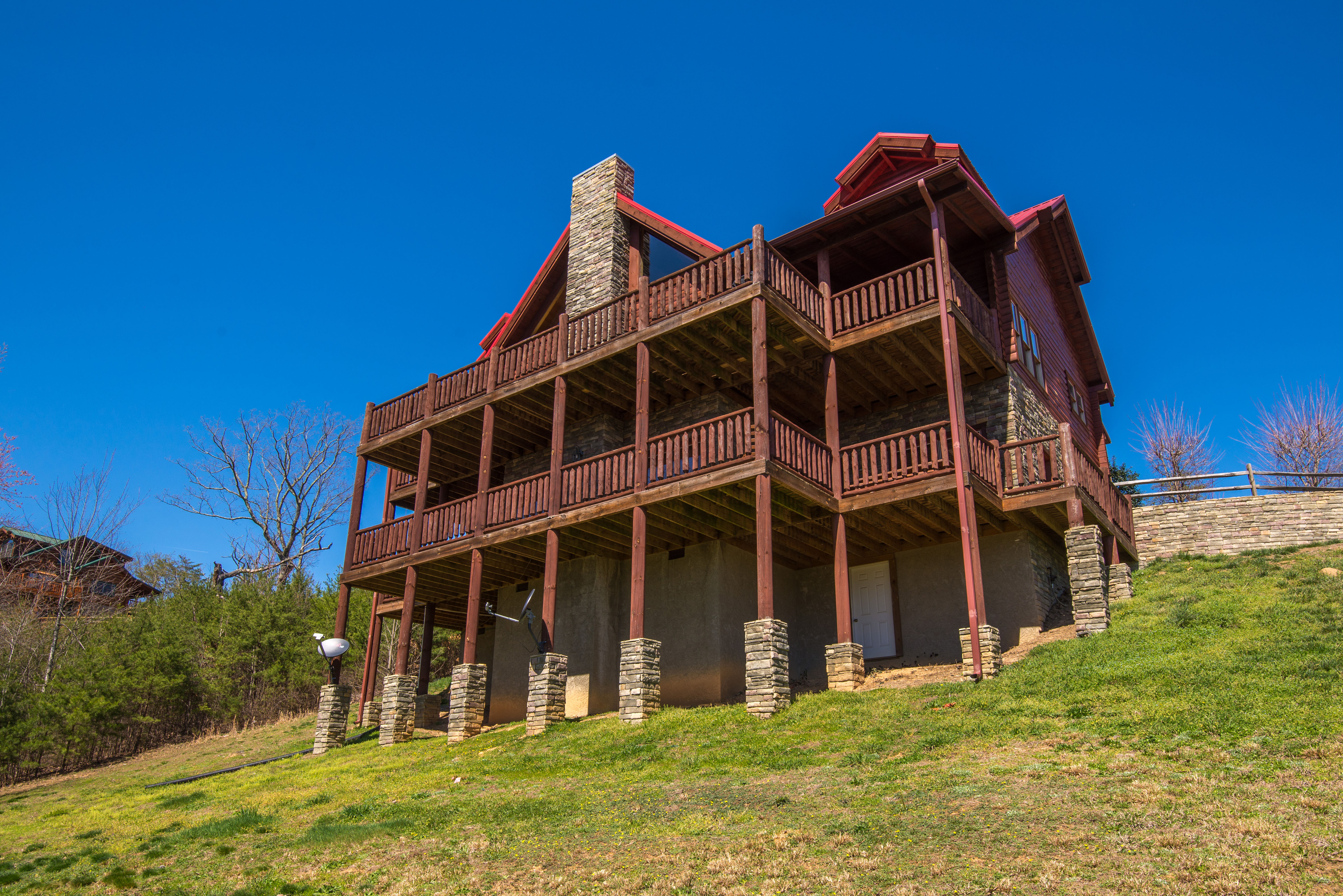A Cabin Of Dreams Luxury Chalet In Pigeon Forge Tennessee With Hot Tub Pool Table Great Views