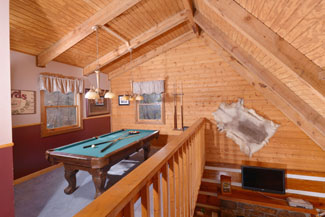 Pigeon Forge Cabin Rental Gameroom Featuring a Pool Table