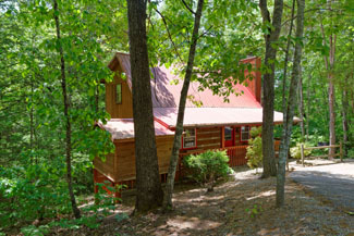Pigeon Forge Affordable Three Bedroom Cabin Rental Convenient to Pigeon Forge Parkway and Attractions
