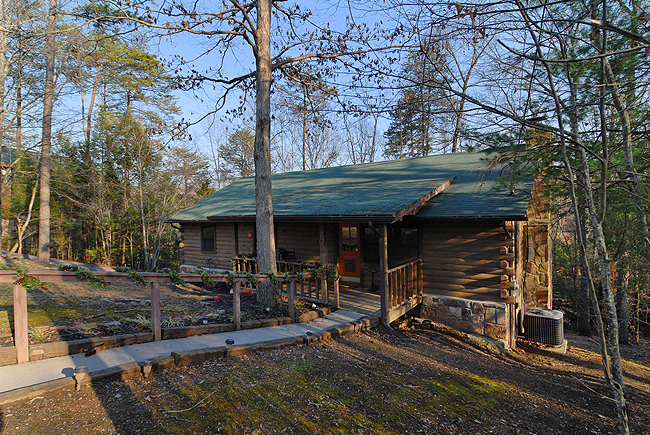 Pigeon Forge Two Bedroom Convenient Cabin Rental