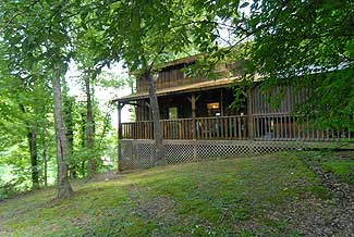 Secluded 2 bedroom Cottage convenient to Pigeon Forge Parkway