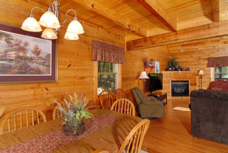 Tennessee Vacation Cabin Rental with a dinning area in the cabin great for holiday dinners or staying in