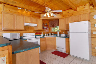 Tennessee Vacation Cabin Rental that features a fully equipped kitchen with Coffee Maker Microwave and Dishwasher