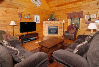 Tennessee Four Bedroom Vacation Cabin Rental with a comfortable living room