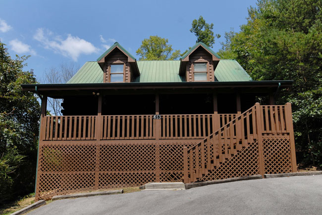 Pigeon Forge Vacation Three Bedroom Vacation Cabin Rental