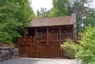 Pigeon Forge Two Bedroom Cabin Rental Convenient to Pigeon Forge Attractions and Parkway