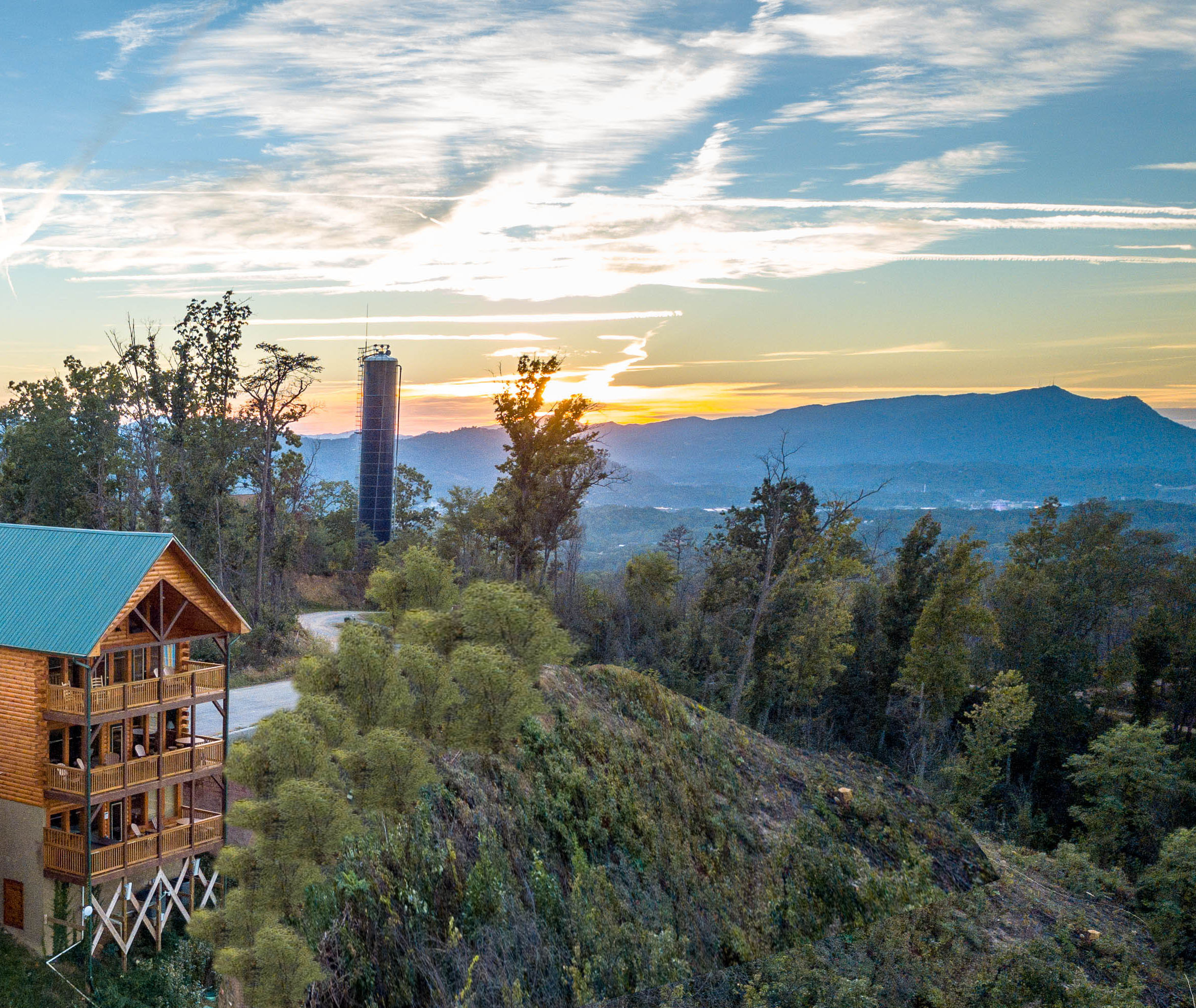 Pigeon Forge Panoramic Mountain View Cabin Rental Overlooking 3 Cities