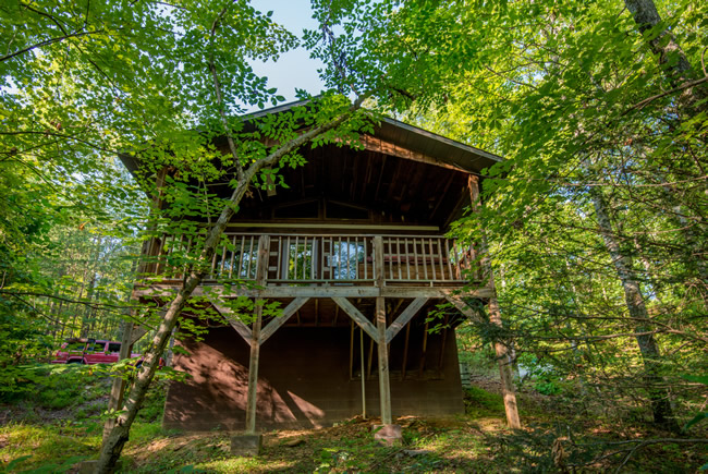 Pigeon Forge Studio Cabin Rental that is in the Caney Creek Cabin Area Convenient to the Pigeon Forge Parkway