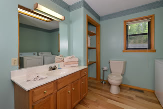 Pigeon Forge Cabin Rental Bathroom Area