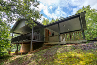 Pigeon Forge Secluded Two Bedroom Pet Friendly Cabin Rental
