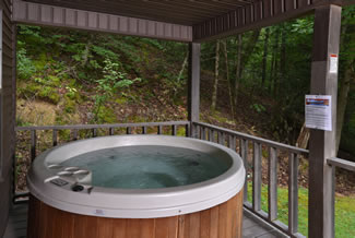 Pigeon Forge Secluded Two Bedroom Cabin Hot Tub