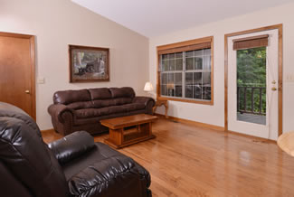 Pigeon Forge Cabin Rental Comfortable Livingroom Area