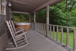 Pigeon Forge Cabin Rental with a Lakeview and Lake Access