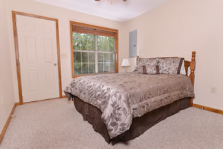 Caney Creek Cabin Queen Size in the Bedroom