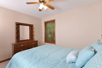 Pigeon Forge Two Bedroom Cabin Rental with a Bedroom