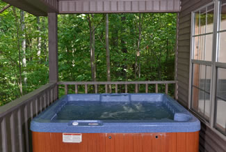 Pigeon Forge Cabin Outdoor Covered Hot Tub