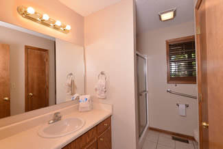 Pigeon Forge Two Bedroom Cabin Rental Bathroom