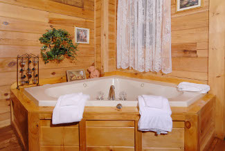 Pigeon Forge Cabin with whirlpool