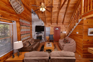Tennessee Vacation Cabin Rental Livingroom