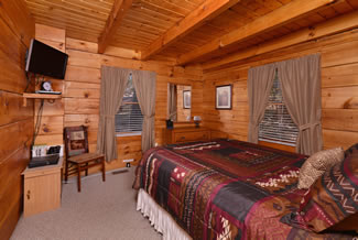 Tennessee Vacation Cabin Rental Lower Level Bedroom Area