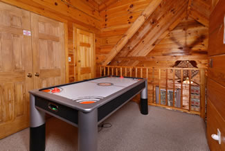 Gatlinburg Two Bedroom Vacation Cabin Rental Fully Equipped Kitchen