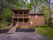 Gatlinburg Three Bedroom Chalet Rental with Mountain View