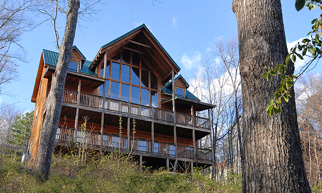 Five bedroom gatlinburg cabin rentals smoky mountains for Cabin rental smokey mountains